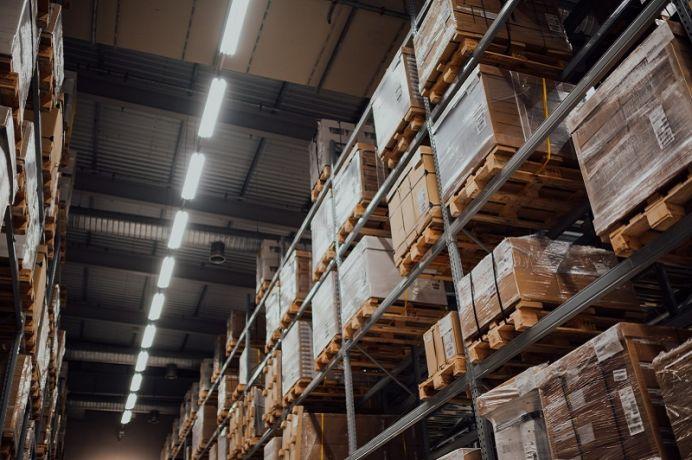 Konstrukcje metalowe na zamówienie – kto oferuje rozwiązania wysokiej jakości?